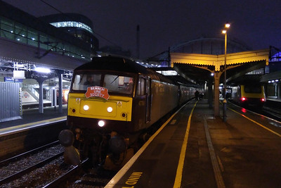 WIth the day's proceedings complete, 47760 is seen here amongst the bright lights of Paddington before departing with 5Z79 1930 to Southall (02/12/2017)