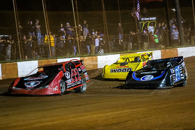 Chris Madden (44), Scott Bloomquist (0) and Devin Gilpin (1G)
