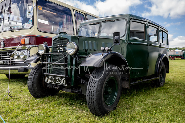 HGO 330 Humber Heavy Utility 4WD car (1943)