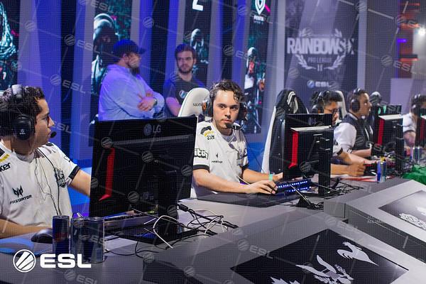 RainboxSix_ProLeagueS1_Finals_Pawel_Bastrzyk_7D2_5942