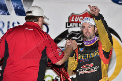 Ritchie Lewis (L) congratulates Tim McCreadie (R) in victory lane