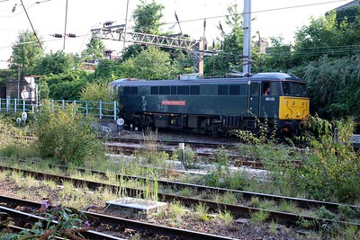 86101 runs down the fly over and onto Kings Cross for another ECS working.