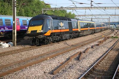 43468 0820/1N90 Kings Cross-Sunderland brings up the rear.