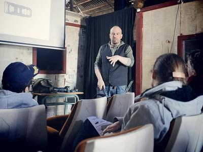 le vendredi de 15-18h : Atelier photo, Pierre Acobas (Merci pour la photo Marc -  http://marcmounierkuhn.fr/ )