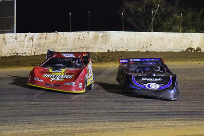 Tim McCreadie (39) and Scott Bloomquist (0)