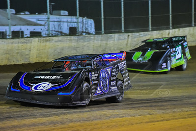 Scott Bloomquist (0) and Jimmy Owens (20)
