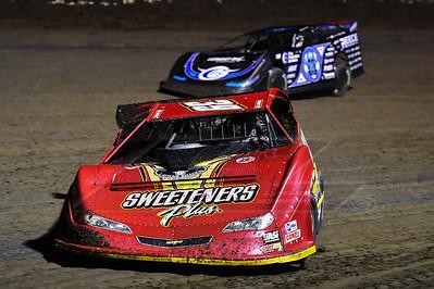 Tim McCreadie (39) and Scott Bloomquist (0)