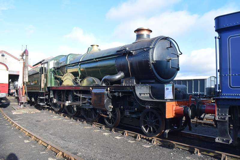 "GWR Castle Class no. 5051 ""Drysllwyn Castle / Earl Bathurst"" at Didcot Railway Centre."