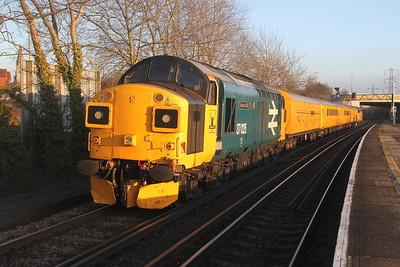 37025 Millbrook 17/01/16 on the rear of 1Q52 Totton Yard to Guildford