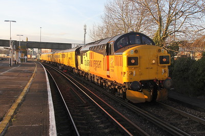 37099 Millbrook 17/01/16 1Q52 Totton Yard to Guildford