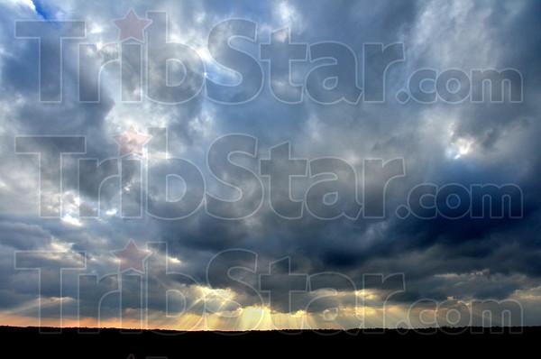 MET012517 sunbeams