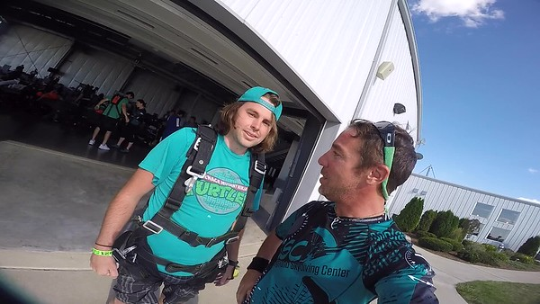 1806 Thomas Mroz Skydive at Chicagoland Skydiving Center 20170708 Jo Jo