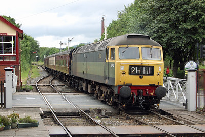 Having run round its train in the loop north of the station, 47192 arrives back into Ramsbottom with the stock for the 2E40 1652 to Bury Bolton Street (07/07/2017)