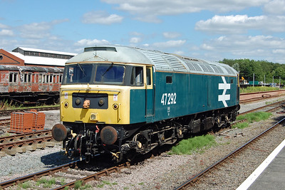 Its shunting duties completed, 47292 catches the afternoon sunshine beautifully  (02/07/2017)
