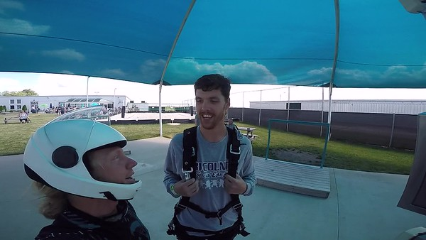1604 Dustin Fritsch Skydive at Chicagoland Skydiving Center 20170618 Klash