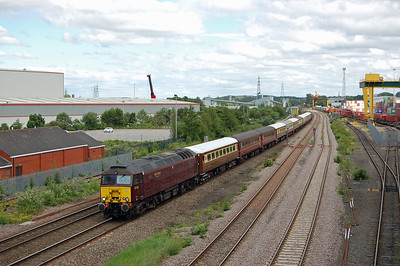 57316 passes the Leeds Freightliner Terminal at Stourton with the 5Z65 1307 Ely to Carnforth ECS move off the previous day's 'Statesman' charter (25/06/2017)
