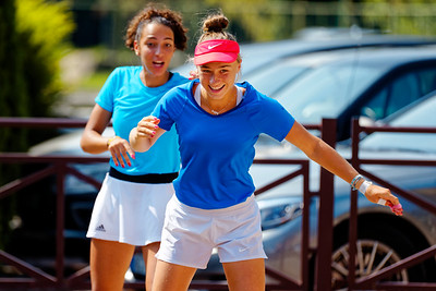 01.02c Having fun - Team France - Junior fed cup european final round girls 16 years and under 2017
