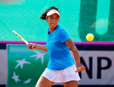 01.02d Yasmine Mansouri - Team France - Junior fed cup european final round girls 16 years and under 2017