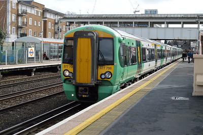 377706 at Kensington Olympia with a service to Milton Keynes.