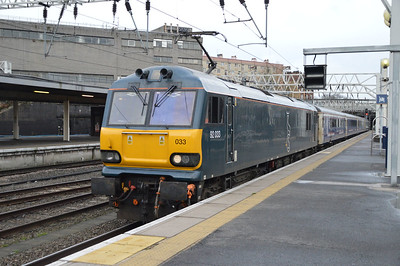92033 Arrives Euston 0n 1M16 ex Inverness.