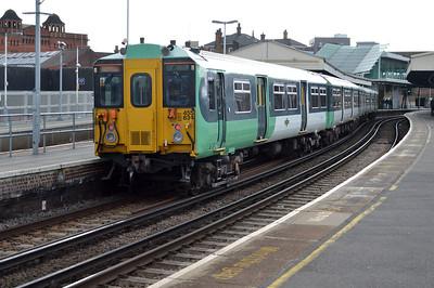455834 at Clapham Junction.
