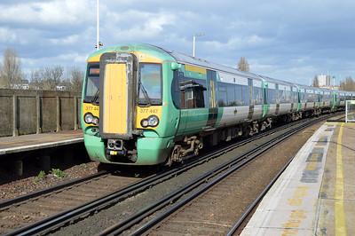 377447 at Clapham Junction.