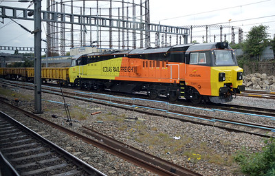 70811 at Friars Junction just before Old Oak Common.