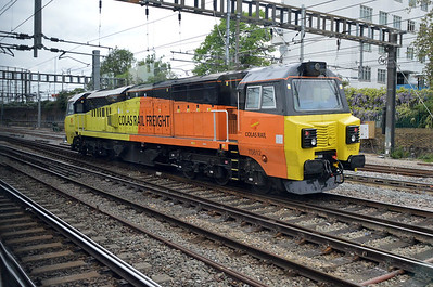 70812 at Friars Junction just before Old Oak Common.