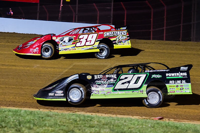 Jimmy Owens (20) and Tim McCreadie (39)