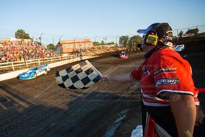 Brandon Sheppard (B5) taking the checkered flag