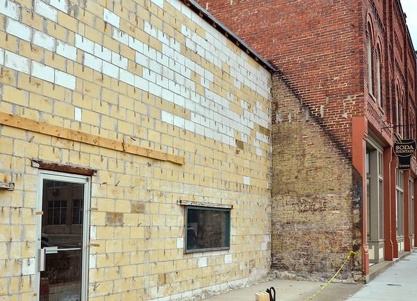 MET 032417 ADJACENT BUILDING