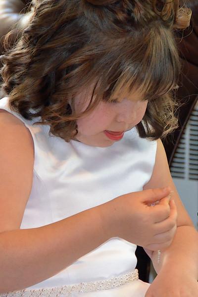 Lilla's First Communion 06