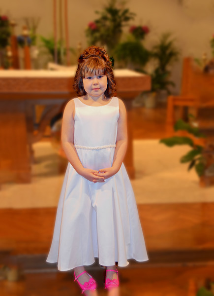 Lilla's First Communion 26
