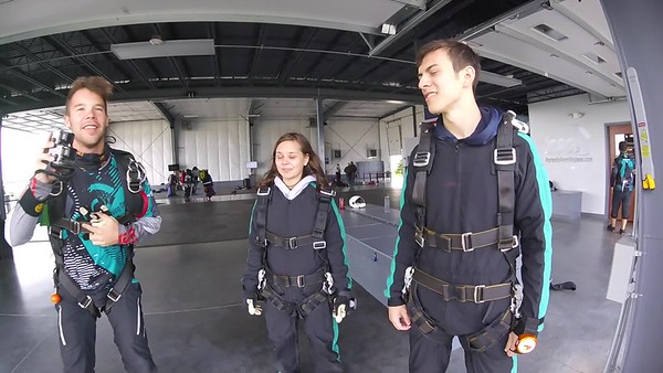 0940 Eric Witting Skydive at Chicagoland Skydiving Center 20170513 Eric S