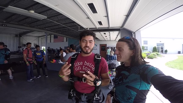 1400 Jonathan Gonzale Skydive at Chicagoland Skydiving Center 20170527 Jo