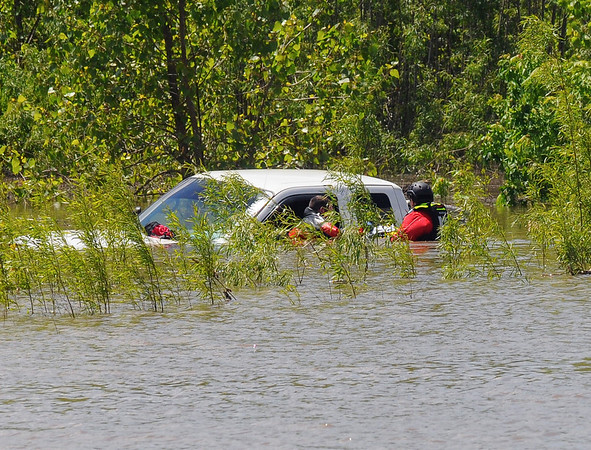 MET 050217 WEST WATER RESCUE