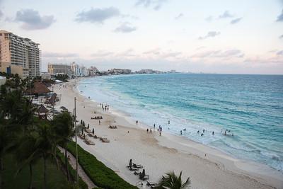 Cancun beach (ewwww)