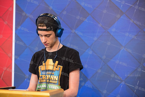 20170919_Steffie-Wunderl_Clash-Royale-Fall_01101