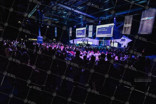 170923_Conor-Beattie_ESL-Arena-at-EGX_1860