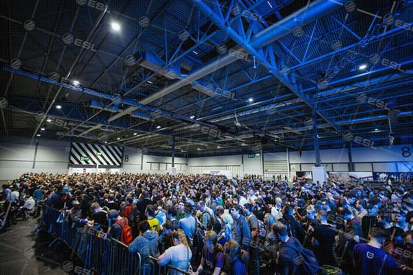 170924_Conor-Beattie_ESL-Arena-at-EGX_2011