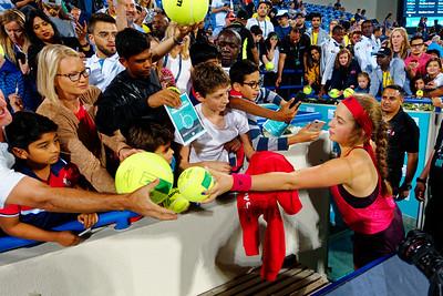 01.05d Jelena Ostapenko is popular - Mubadala WTC 2017