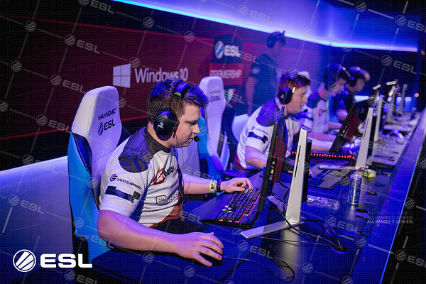 170923_Joe-Brady_ESL-Prem-at-EGX_0586