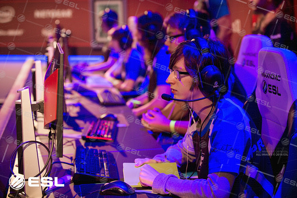170921_Joe-Brady_ESL-Prem-at-EGX_0230