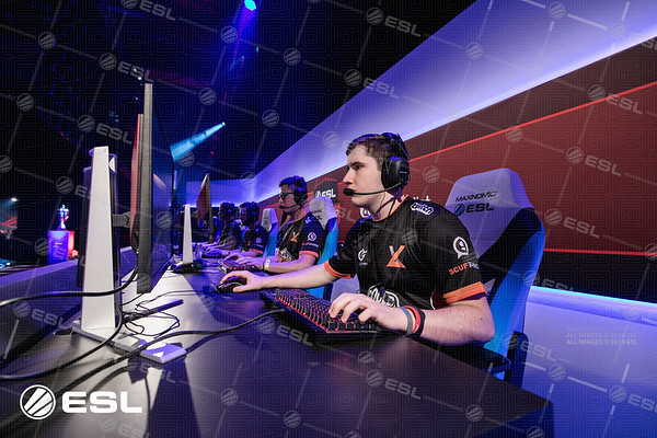 170921_Joe-Brady_ESL-Prem-at-EGX_0313
