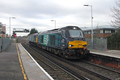68004 Basingstoke 29/11/17 0Z68 Eastleigh to Willesden with 47841