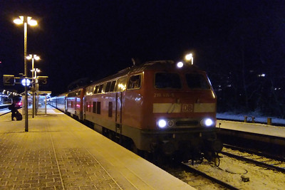 218416 + 218452 prepare to depart from Memmingen with EC 190 1833 Munchen Hbf - Zurich. The previous night had seen snowfall in the mountains of southern Bayern, and as the day wore on the weather had turned increasingly inclement. Consequently thoughts of a late evening trip to Lindau for the last train back north had been abandoned in favour of a DMU straight across to Ulm and an early night (26/11/2017)
