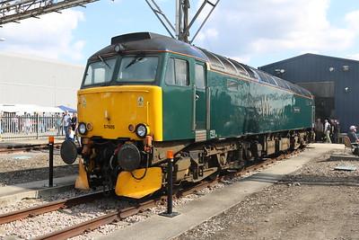 Class 57 57605 'Totnes Castle'