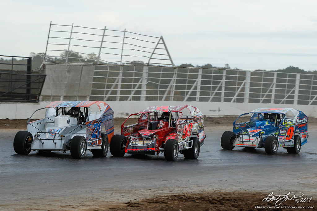 Billy Whittaker Cars 200 - NAPA Auto Parts Super DIRT Week XLVI - Oswego Speedway - 21a Peter Britten, 99L Larry Wight, 9s Matt Sheppard