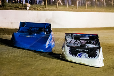 Dennis Erb, Jr. (26) and Scott Bloomquist (18)
