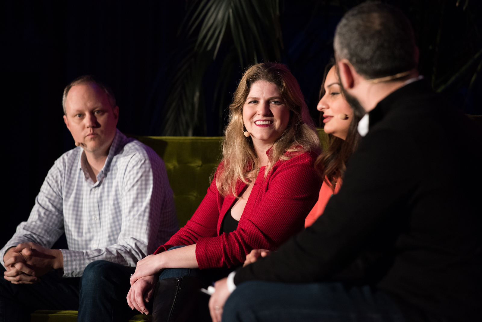 How to Actually Get More Leads: From The Veterans Menaka Shroff HEAD OF MARKETING / BETTERWORKS  Jen Grant CMO / LOOKER  JD Peterson FORMER CMO / TRELLO  Joe Chernov VP MARKETING / INSIGHTSQUARED